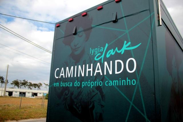 CAMINHÃO COM OBRAS DE LYGIA CLARK PERCORRE SETE CIDADES PORTUGUESAS
