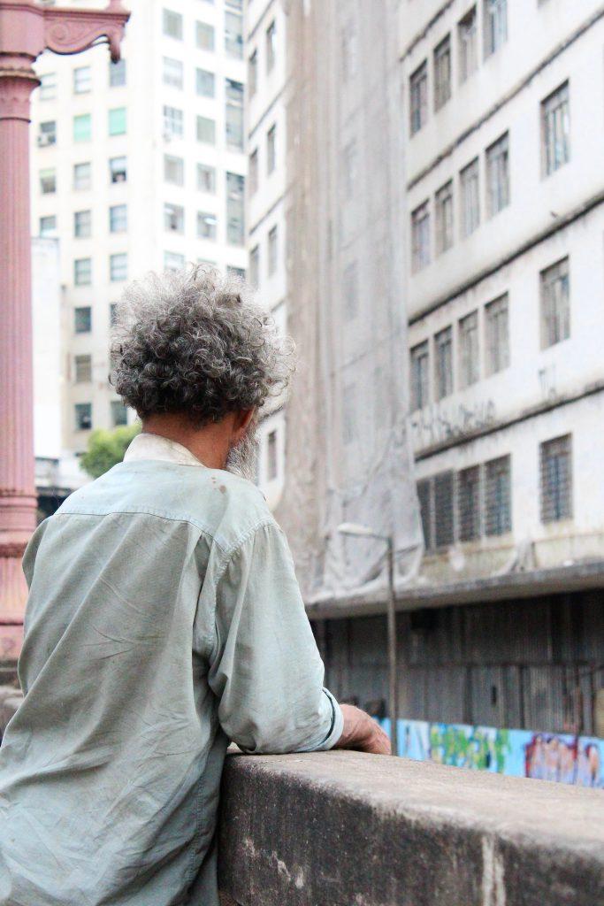 CAFÉ DAS ARTES: ARQUITETURA URBANA, A CIDADE E A ALTERIDADE