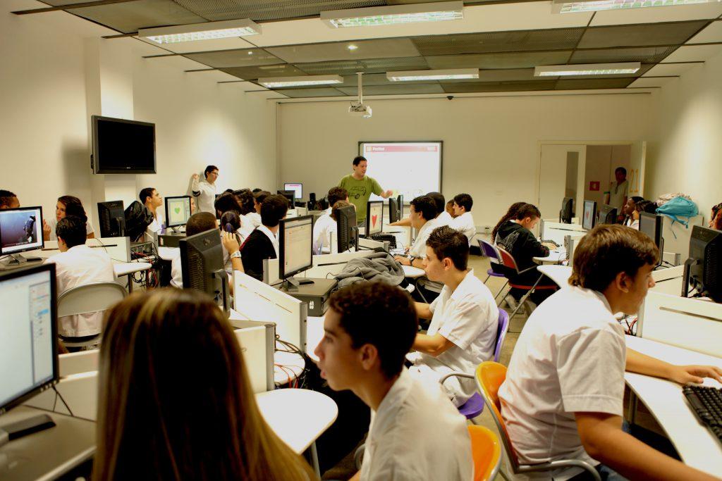 NAVE Rio/Colégio Estadual José Leite Lopes promove atividades abertas ao público