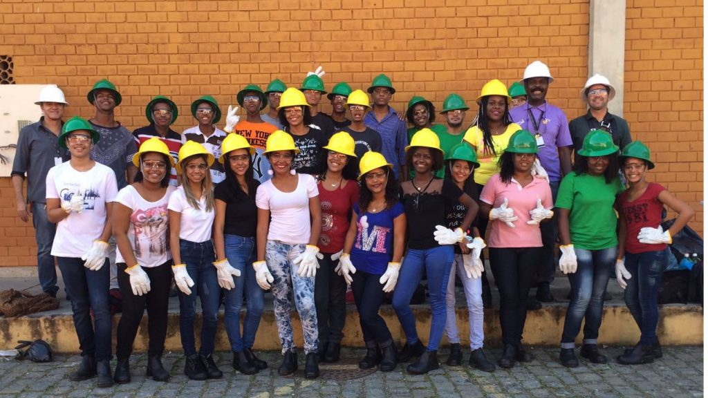 Formação em Telecomunicações na Cidade de Deus: Programa Jovens Construtores Telecom