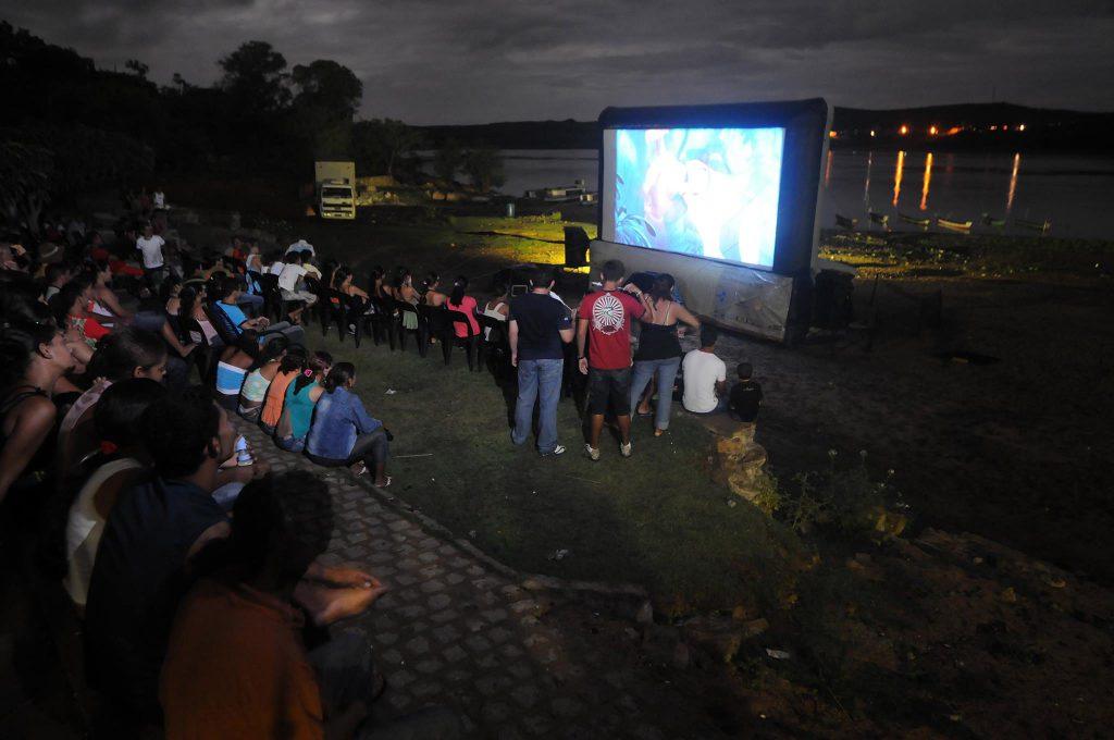 CINEMA NO RIO (MG)