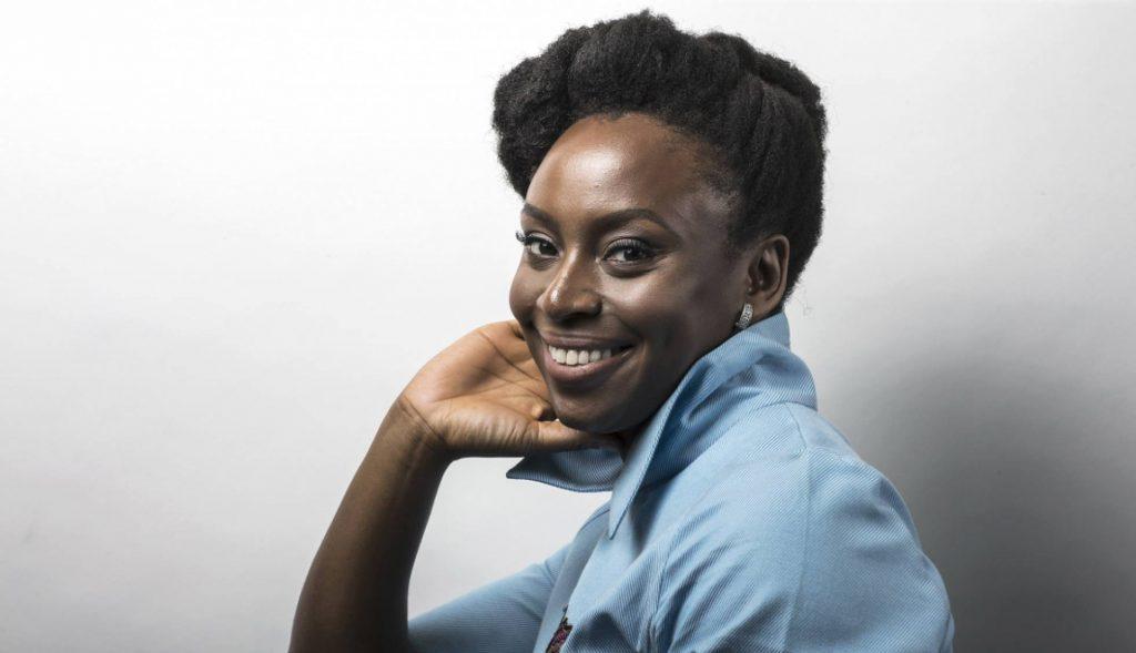 Oi Futuro se inspira na obra de Chimamanda Ngozi Adichie para o Mês da Consciência Negra