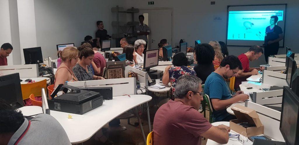 NAVE Rio forma professores da rede pública em multiplicadores de robótica