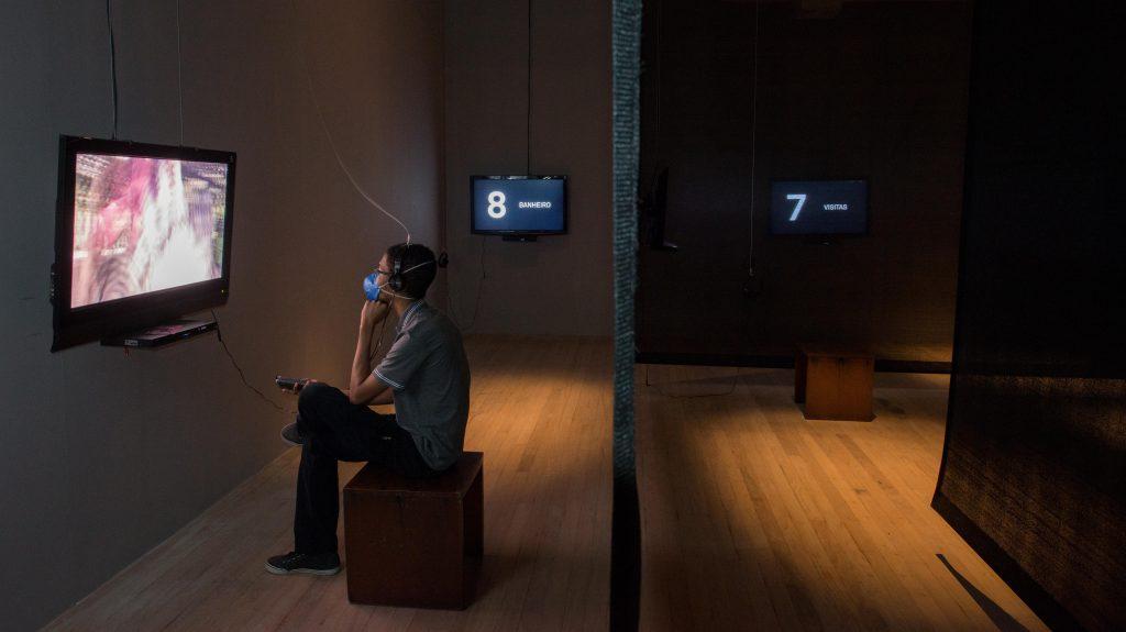 Instalação no Centro Cultural transforma espetáculo teatral em experiência interativa