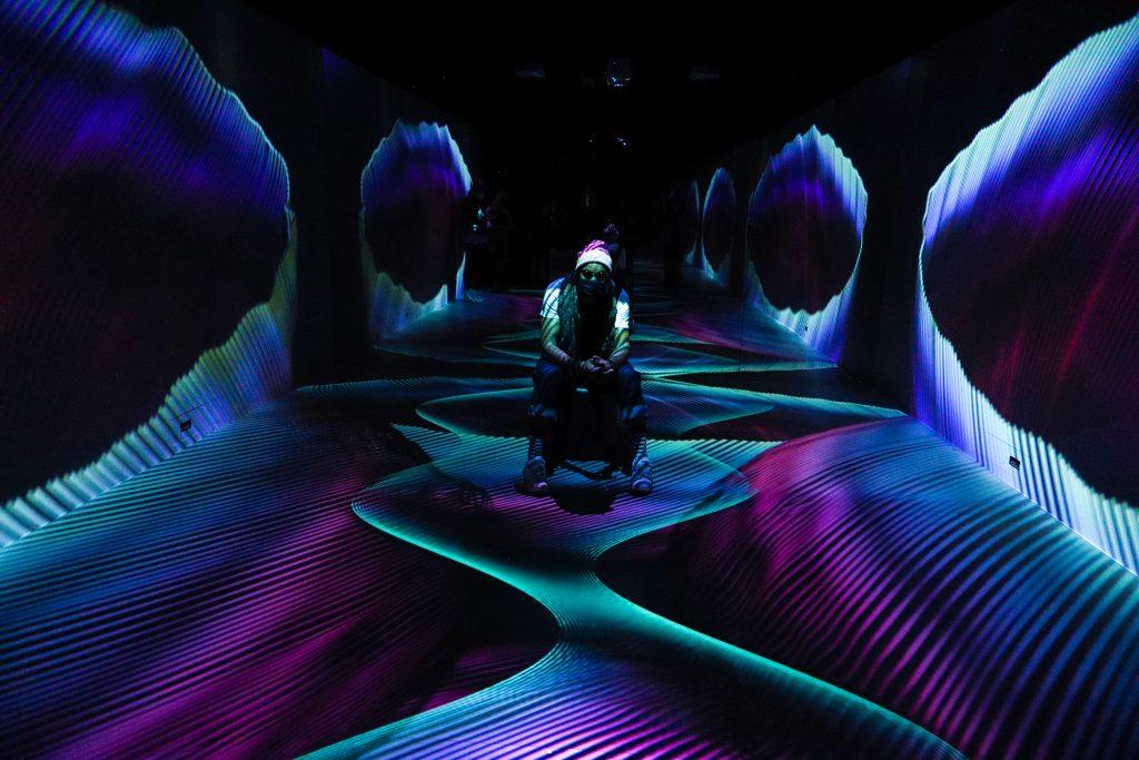 Quiet Room: nova instalação imersiva propõe momento de desconexão no Oi Futuro
