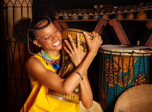 Cultura africana e força feminina: musical infantil estreia em temporada virtual no Oi Futuro