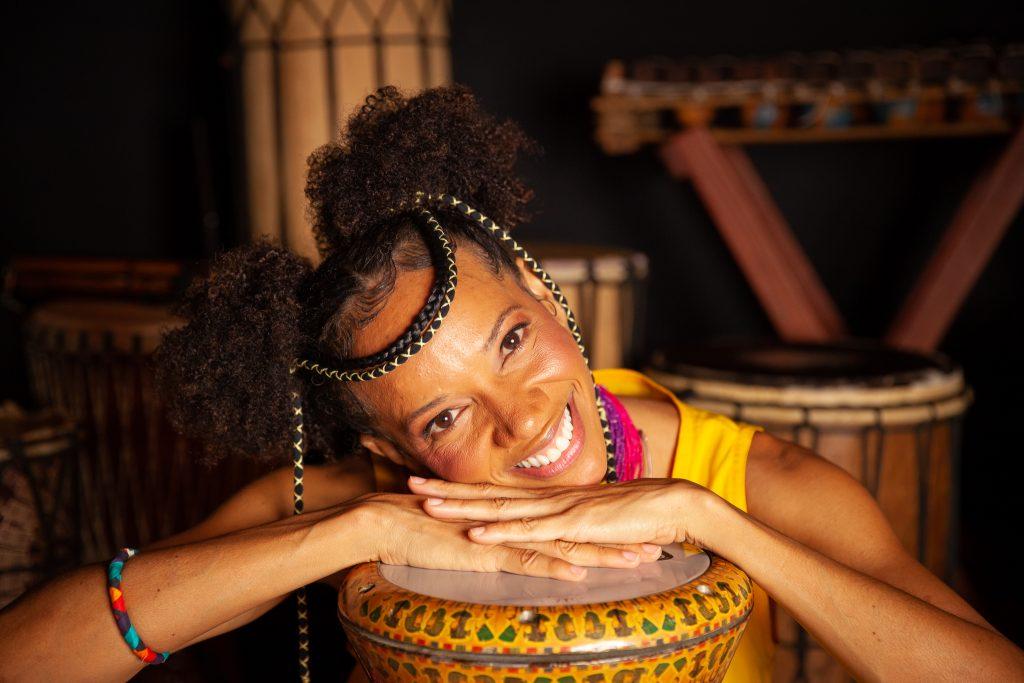 A menina Akili e seu tambor falante – O Musical
