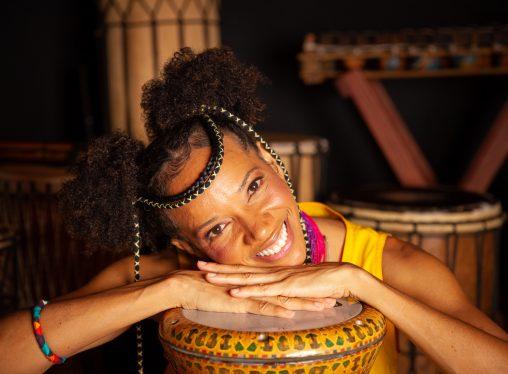 A menina Akili e seu tambor falante - O Musical